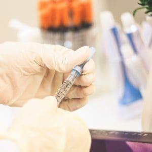 Betim começa a vacinar estudantes de 12 a 14 anos contra Covid-19